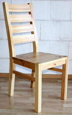 Stuhl Holzstuhl Kiefer massiv Oberfläche natur lackiert