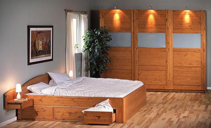 JOBO Schlafzimmer Cognac lackiert - Kiefernholzmöbel massiv