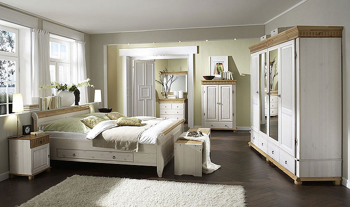 Für Jedes Kiefernholz Schlafzimmer Die Passende Möbelgröße. Von Zweitürigen  Kleiderschrank Bis Zum 5 Türgen Schlafzimmerschrank. Die Kleiderschränke  Sind In ...