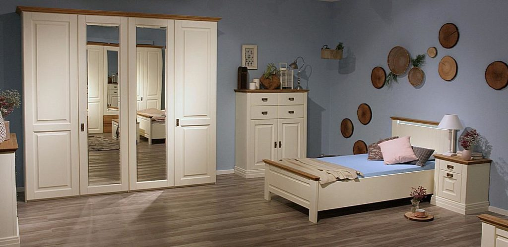 schlafzimmer m bel kiefer massivholz verschiedene oberfl chen kiefern m bel fachh ndler in goslar. Black Bedroom Furniture Sets. Home Design Ideas