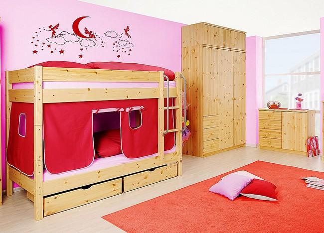 Kinderzimmer aus massivem Kiefernholz